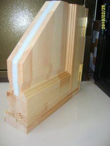Двери утепленные деревянные
