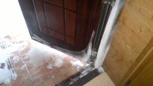 Дверь без утеплителя
