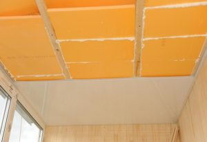 Потолок балкона  утепленный пеноплексом
