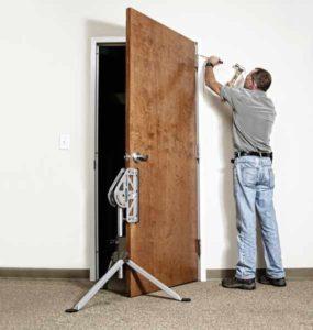 Установку финской двери доверяйте специалистам