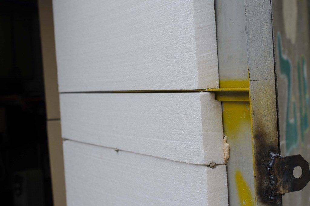 Утепление металлических гаражных ворот пенопластом